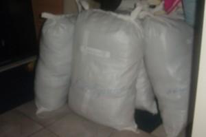 actie kleden verzamelen voor afghanistan in almere 1